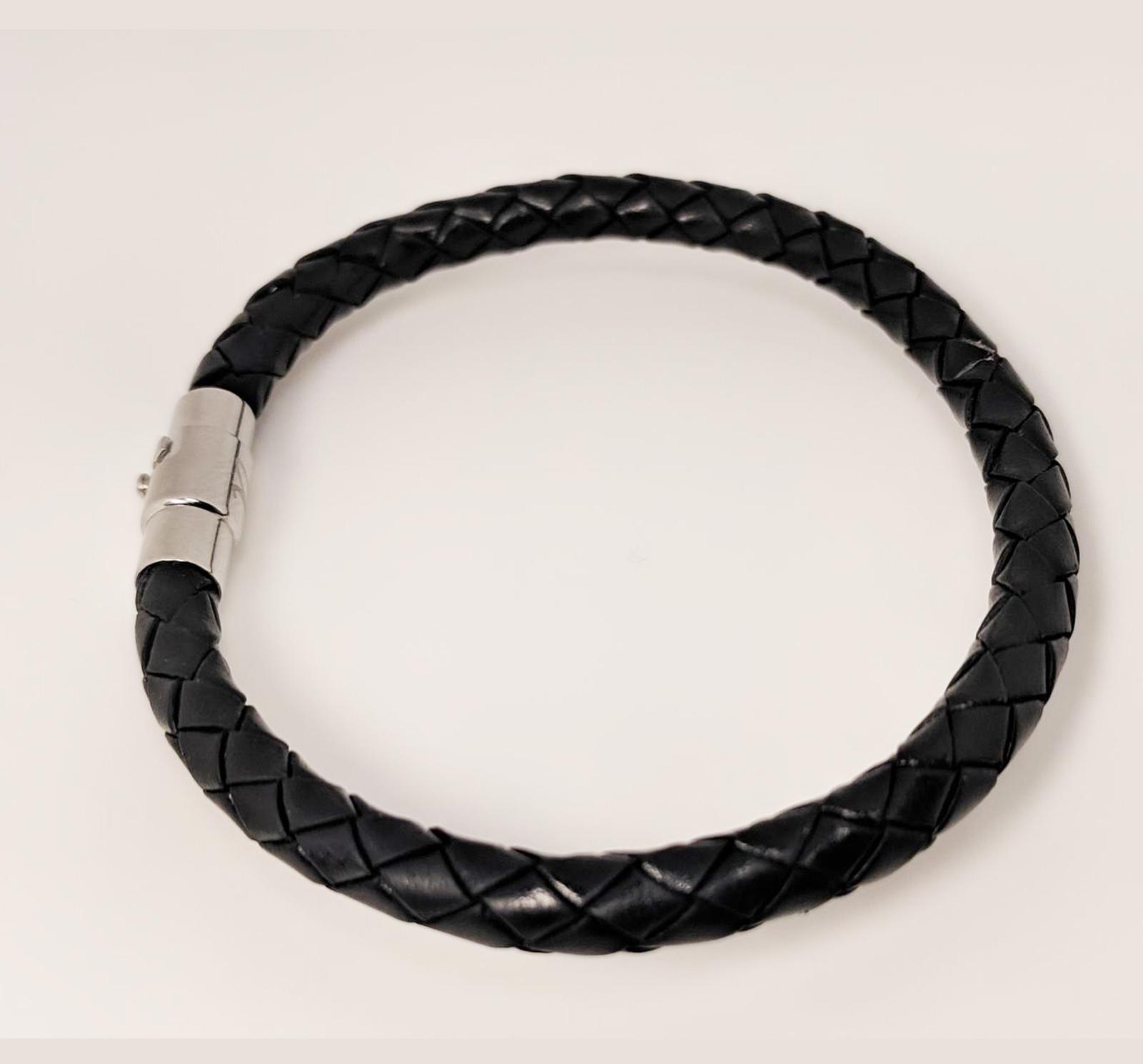 ¡Regala una pulsera elegante de cuero para el día del padre!