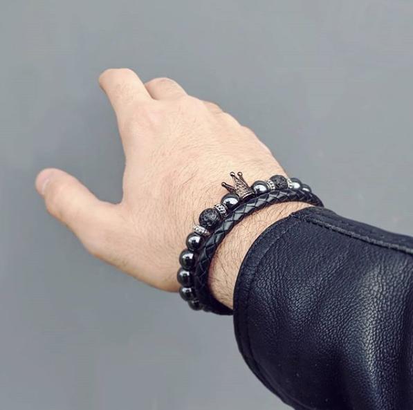 Asóciate con una marca que refleje tu estilo único, elegancia y minimalismo en cadapulsera.