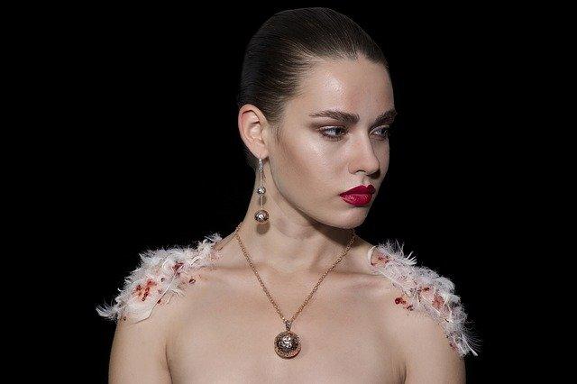 Joyas minimalistas: tendencia en la joyería mundial